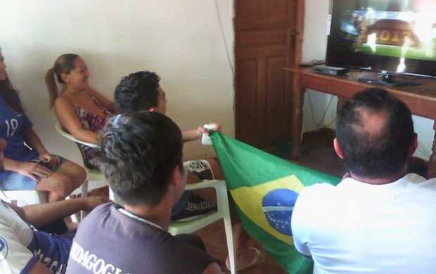 Pais e amigos de Thiago Maia na expectativa de roraimense entrar em campo (Foto: arquivo pessoal)