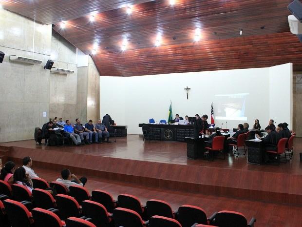 Advogados de defesa participaram do julgamento nesta tarde (Foto: Tiago Melo/G1 AM)