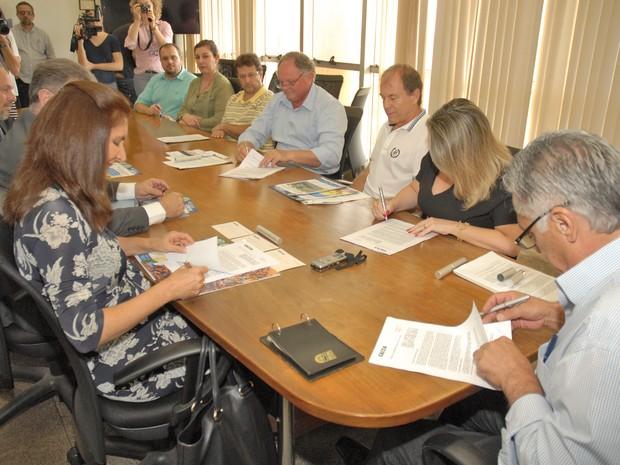 Prefeitura de Piracicaba assina contrato com a Caixa Ecônomica para plano de combate às perdas de água (Foto: Justino Lucente/Prefeitura de Piracicaba)