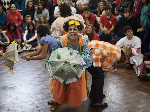 Fenata - Peça: A Carroça é Nossa (Foto: Luciano Andrade/Sirlene Paz/Fenata)