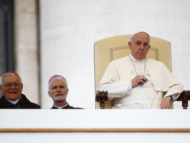 O Papa Francisco durante audiência geral semanal na Praça São Pedro, no Vaticano, na quarta-feira (12) (Foto: Reuters/Tony Gentile)