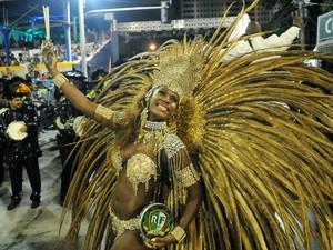 Rainha de bateria da Cubango, Cris Alves (Foto: Alexandre Durão / G1)