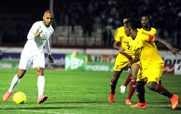 Brahimi argelia e Etiopia (Foto: Agência AFP)