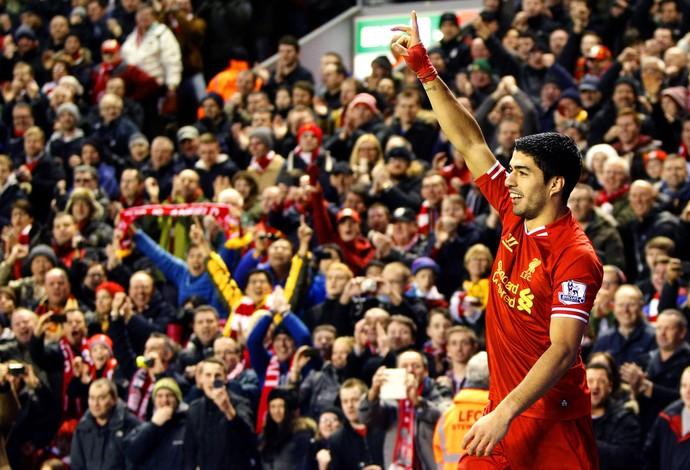 Suarez gol Liverpool (Foto: AP)