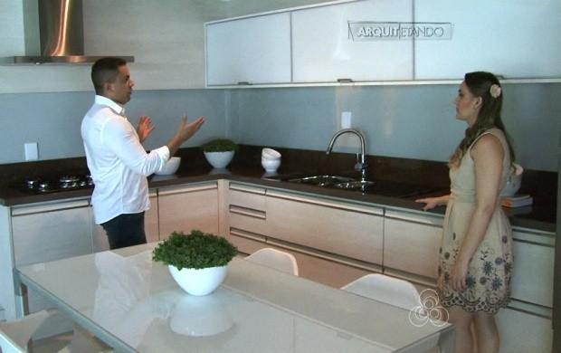 Cozinhas coloridas, neutras, rústicas e gourmet são algumas das opções (Foto: Roraima TV)