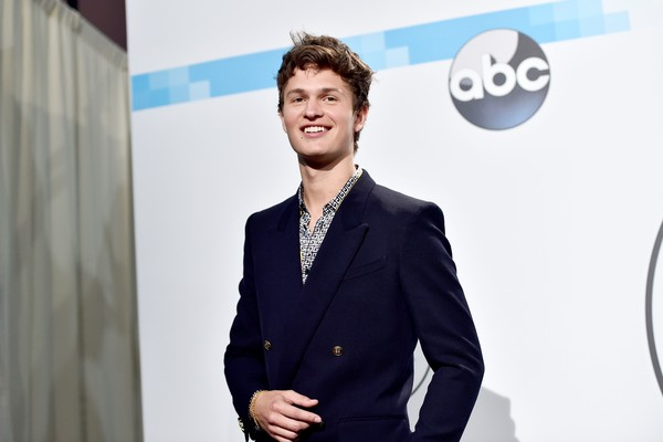 O ator Ansel Elgort (Foto: Getty Images)