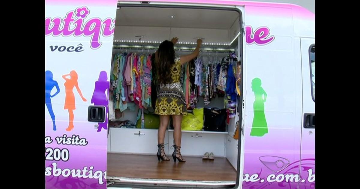 G1 - Comerciante monta loja de roupas móvel e conquista clientes no ES -  notícias em Espírito Santo fd21421cb6f