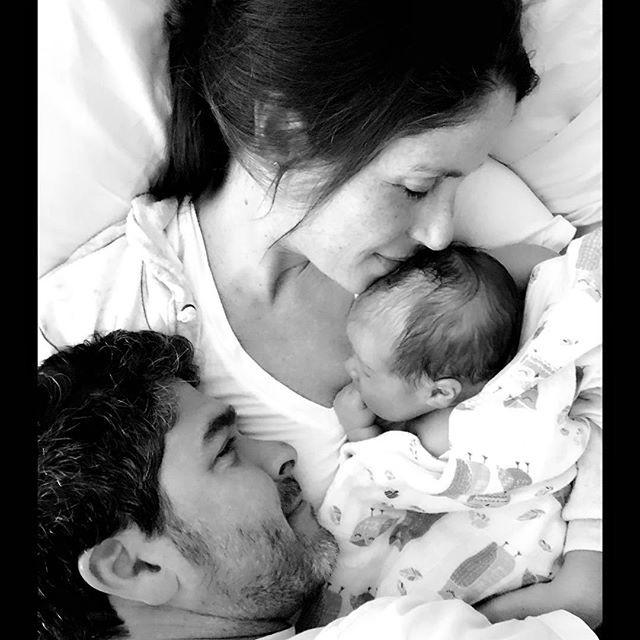 Soleil Moon Frye com seu bebê e o marido (Foto: Reprodução/ Instagram)