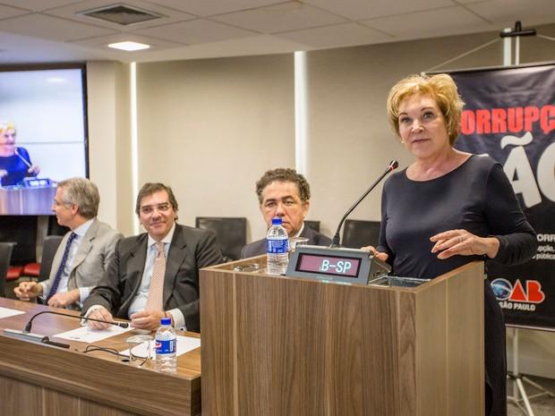 Candidata do PMDB à Prefeitura, Marta Suplicy ministra palestra na Ordem dos Advogados do Brasil (OAB), em São Paulo  (Foto: Suamy Beydoun/Futura Press/Estadão Conteúdo)