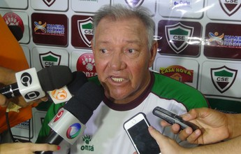 Sem vencer no Alagoano, CSE anuncia saída do técnico Freitas Nascimento