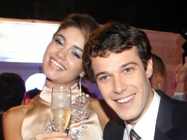 Amora e Maurício (Foto: Sangue Bom/TV Globo)