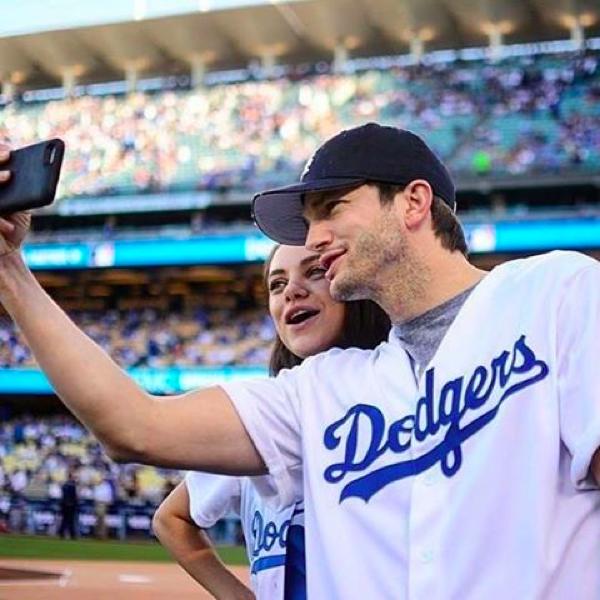 A atriz Mila Kunis com o marido, o ator Ashton Kutcher (Foto: Instagram)