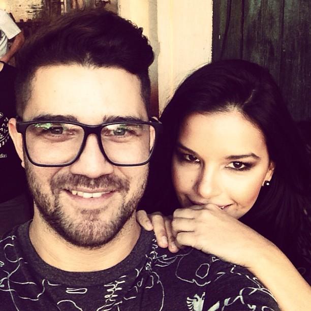 Robson Almeida postou foto ao lado de Mariana Rios (Foto: Reprodução/Instagram)