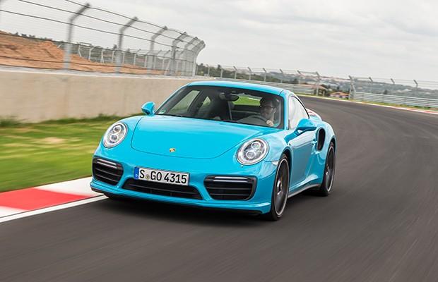 Suspensão dianteira do 911 Turbo S pode ser elevada em até 4 centímetros (Foto: Divulgação)