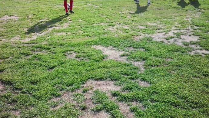 campo do estádio da graça joão pessoa (Foto: Amauri Aquino / GloboEsporte.com/pb)