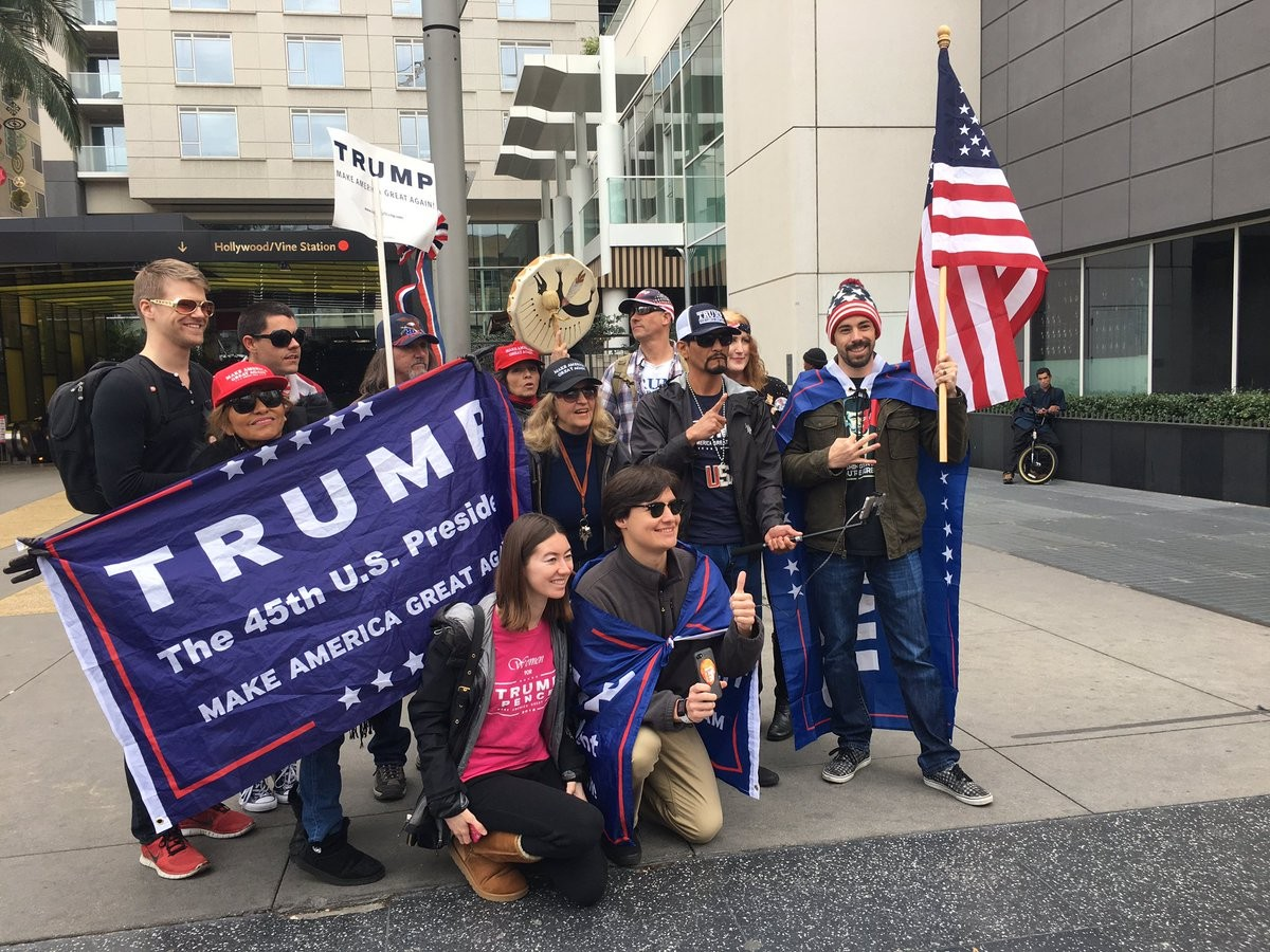 Manifestantes pró-Trump (Foto: Twitter)