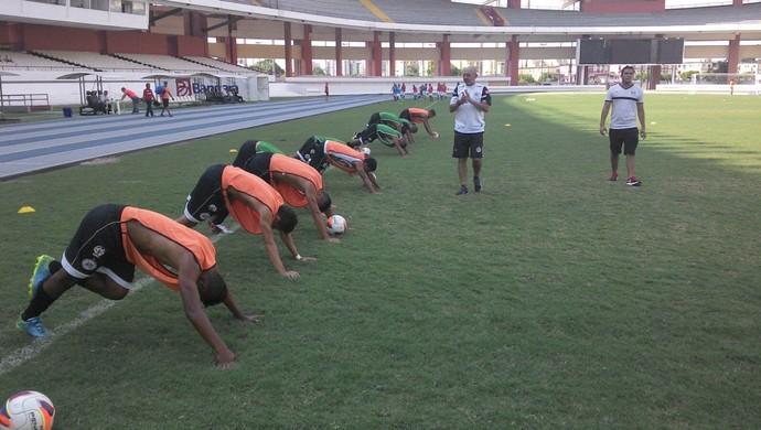 Equipe do São Raimundo no aquecimento momentos antes da partida, no Mangueirão  (Foto: Divulgação/ São Raimundo F.C.)
