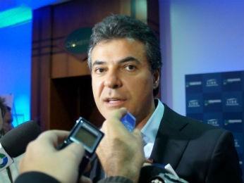 Beto Richa anunciou cortes de gastos (Foto: Fabiula Wurmeister/G1)