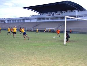 Estádio Arena do Juruá em Cruzeiro do Sul, aguarda laudos de segurança para liberação de jogos (Foto: Francisco Rocha/G1)
