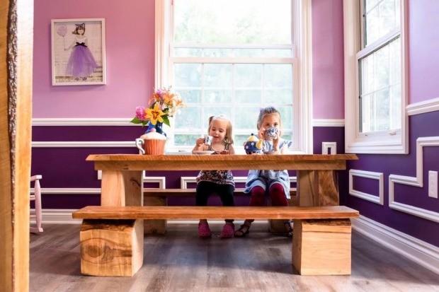 As meninas aproveitando o espaço (Foto: Reprodução - Facebook)