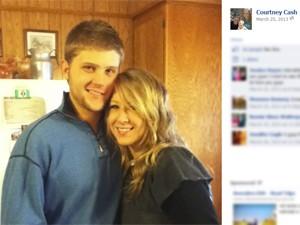 Courtney Cash e o namorado, William Johnson (Foto: Reprodução / Facebook)