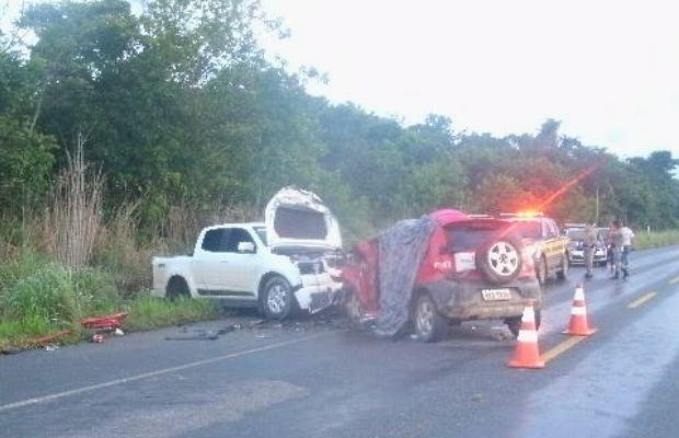 Polícia Rodoviária Federal afirma que veículo estava com pneus carecas (Foto: Divulgação/Polícia Rodoviária Federal)
