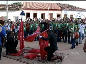 Folia do Divino acontece em Natividade há mais de dois séculos (Foto: Reprodução/TV Anhanguera)