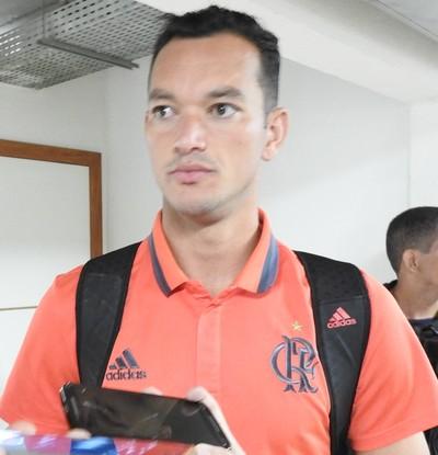 Réver dá entrevista após vitória sobre o Atlético-PR (Foto: Fred Gomes/GloboEsporte.com)