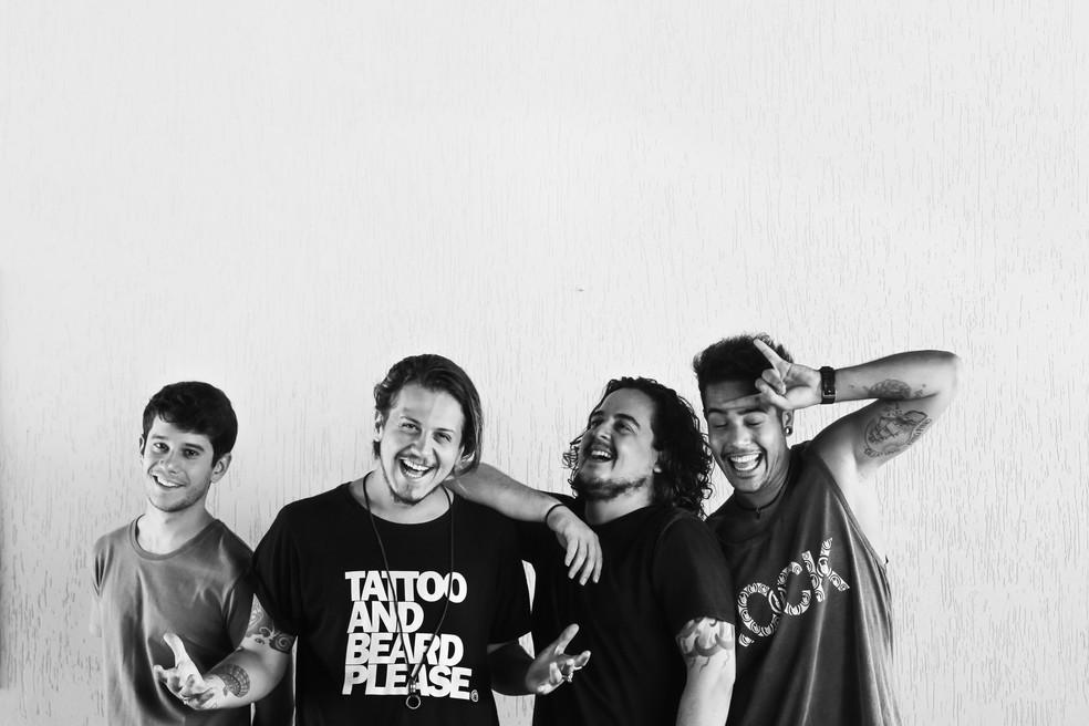 Banda brasiliense Dona Cislene apresenta show de lançamento do novo disco no festival