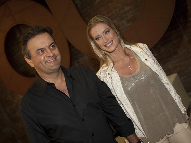 O senador Aécio Neves com a mulher, Letícia Weber, em 2011 (Foto: Mastrangelo Reino/Folhapress)