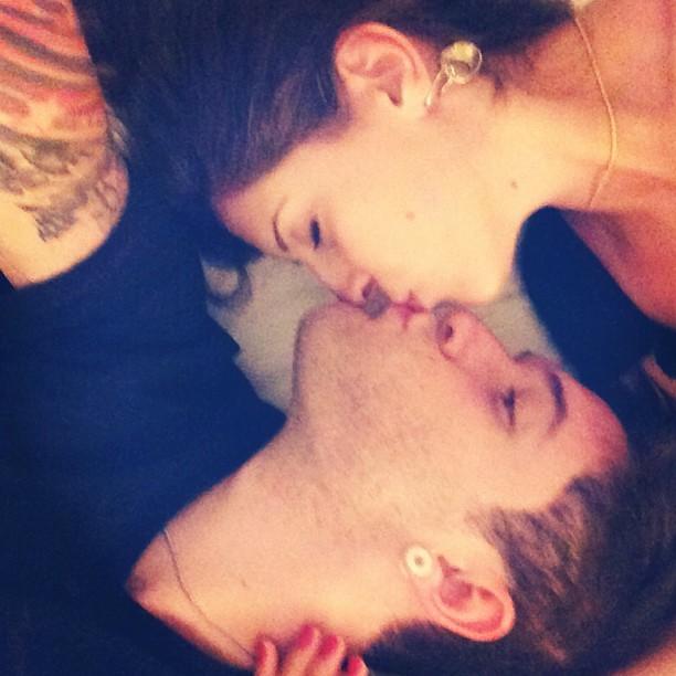 Andressa e Nasser comemoram o Dia do Beijo e três meses de namoro (Foto: Reprodução/Instagram)