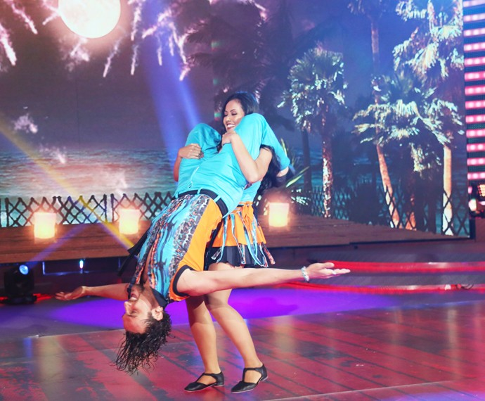 Suellem ousa na coreografia (Foto: Carol Caminha/Gshow)