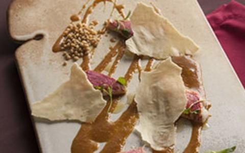 Peixe com pirão de tucupi e caviar frito