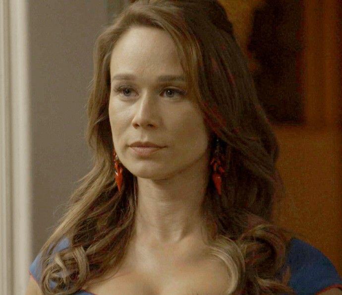 Tancinha fica pasma com a atitude do marido (Foto: TV Globo)