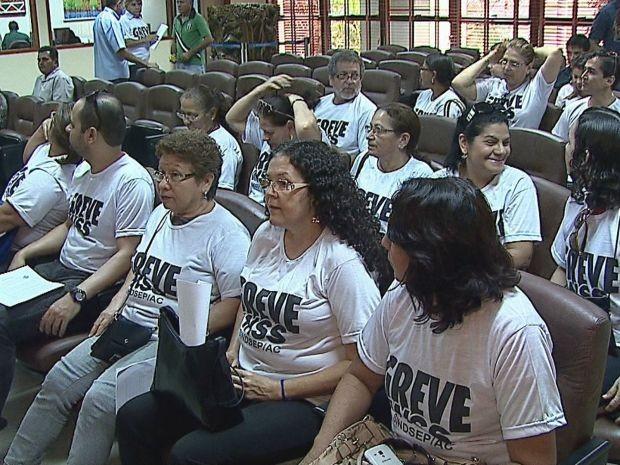 Servidores do INSS pediram apoio dos deputados estaduais (Foto: Reprodução/Rede Amazônica Acre)