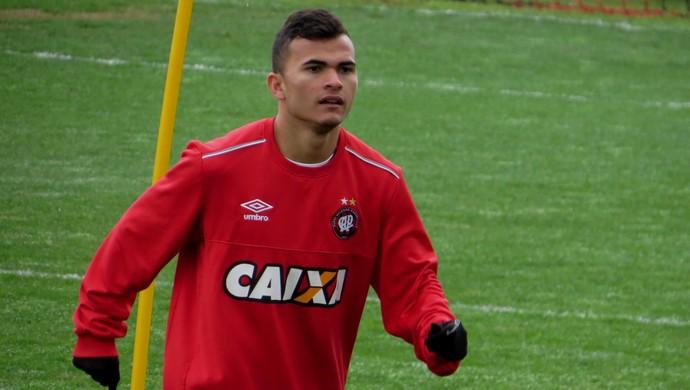 Lucas Fernandes Atlético-PR (Foto: Fernando Freire)