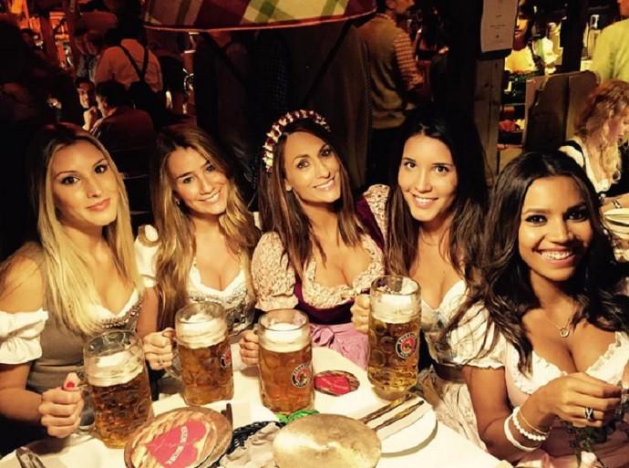 Oktoberfest esposas jogadores do Bayern