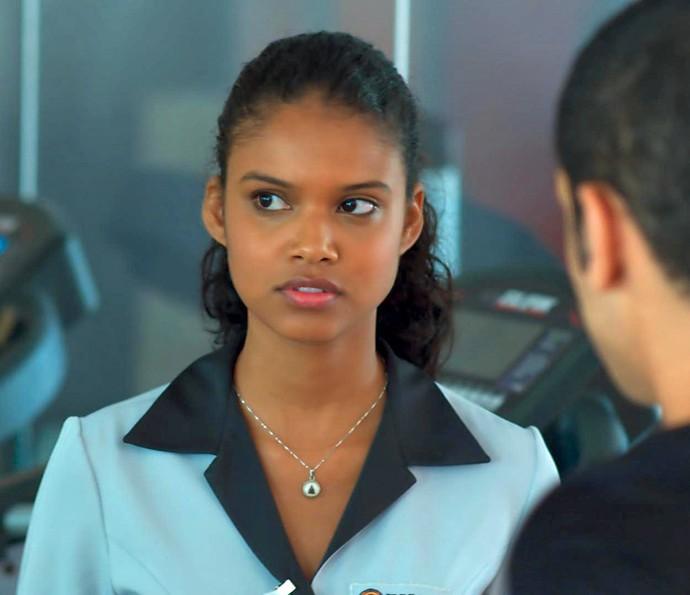 Joana escuta papo entre Belloto e Gabriel (Foto: TV Globo)