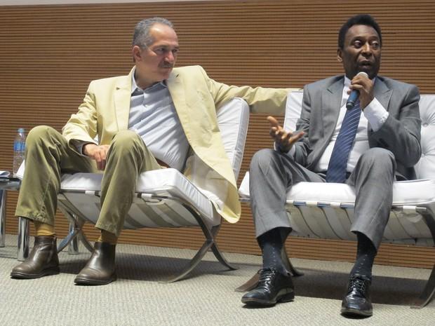 Aldo Rebelo e Pelé participaram do lançamento do índice no Brasil (Foto: Darlan Alvarenga/G1)