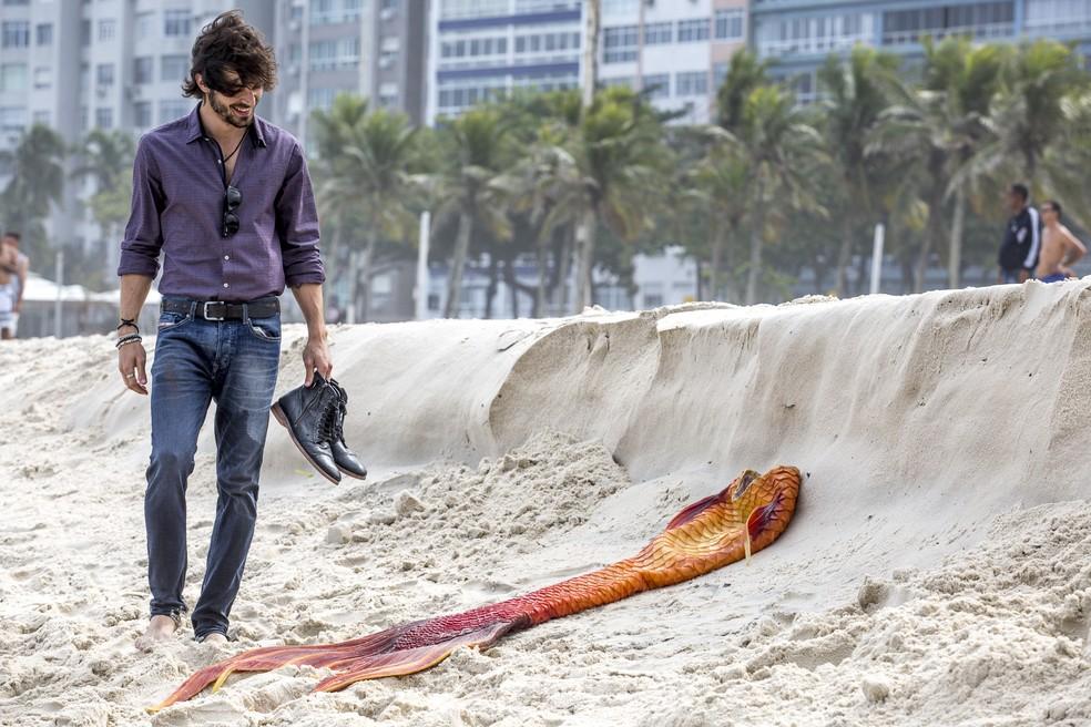 Ruy procura pela amada e encontra a cauda (Foto: Fábio Rocha/Gshow)