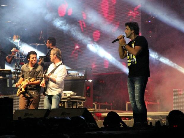 Victor & Leo se apresentaram durante o Villa Mix em Manaus (Foto: Diego Toledano/ G1 AM)
