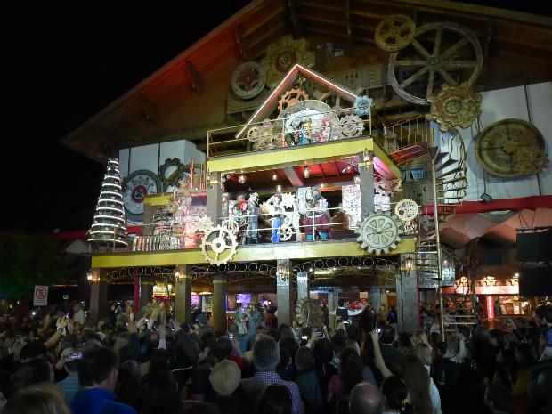 Espetáculo conta com a participação do público (Foto: Cleiton Thiele/SerraPress/Divulgação)