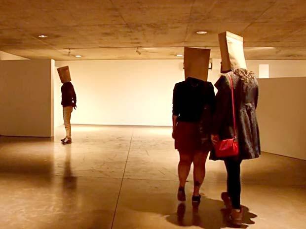 """Espetáculo """"De carne e concreto – Uma instalação coreográfica"""", atração da IV Mostra de Dança XYZ, de Brasília (Foto: Reprodução)"""