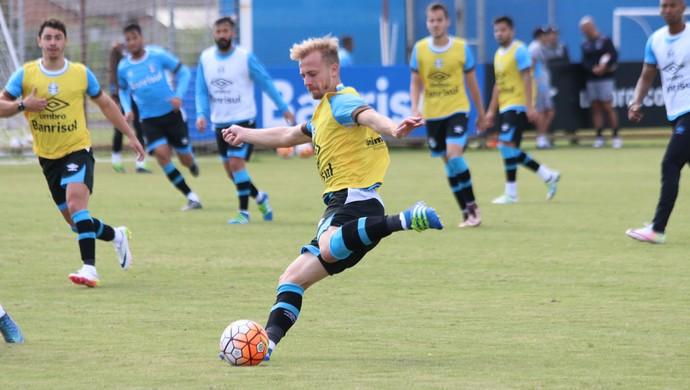 Marcelo Hermes treinou entre os titulares nesta terça (Foto: Eduardo Deconto/GloboEsporte.com)