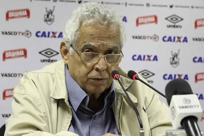 Eurico Miranda cobra punição a árbitro
