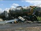 Motorista de caminhão que derrubou soda cáustica é transferido de hospital
