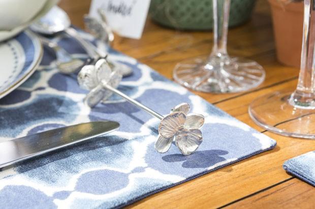 Arranjos de suculentas alegram decoração de mesa (Foto: Douglas Daniel)