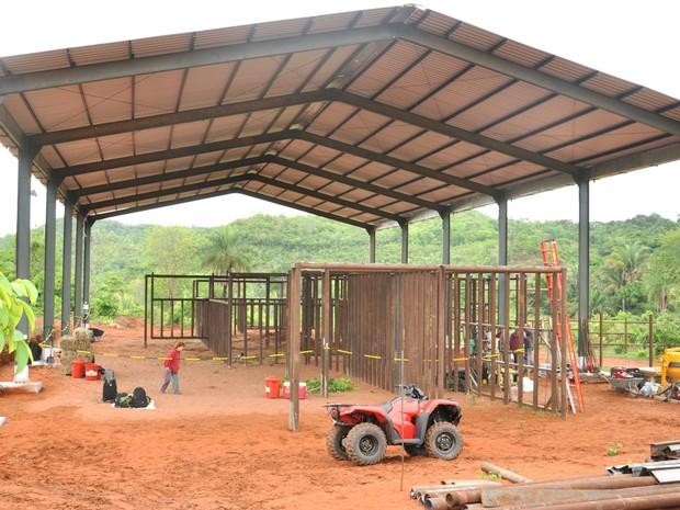 Galpão construído no Santuário de Elefantes (Foto: Carolina Holland/G1)