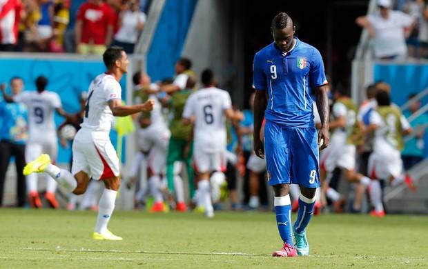 Balotelli Costa Rica x Itália (Foto: AP)