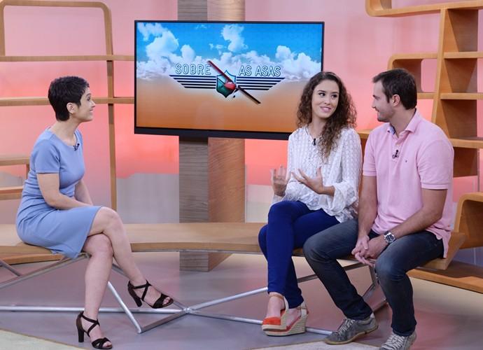 Amanda Richter e Max Fercondini contaram a aventura para Sandra Annemberg (Foto: Divulgação)